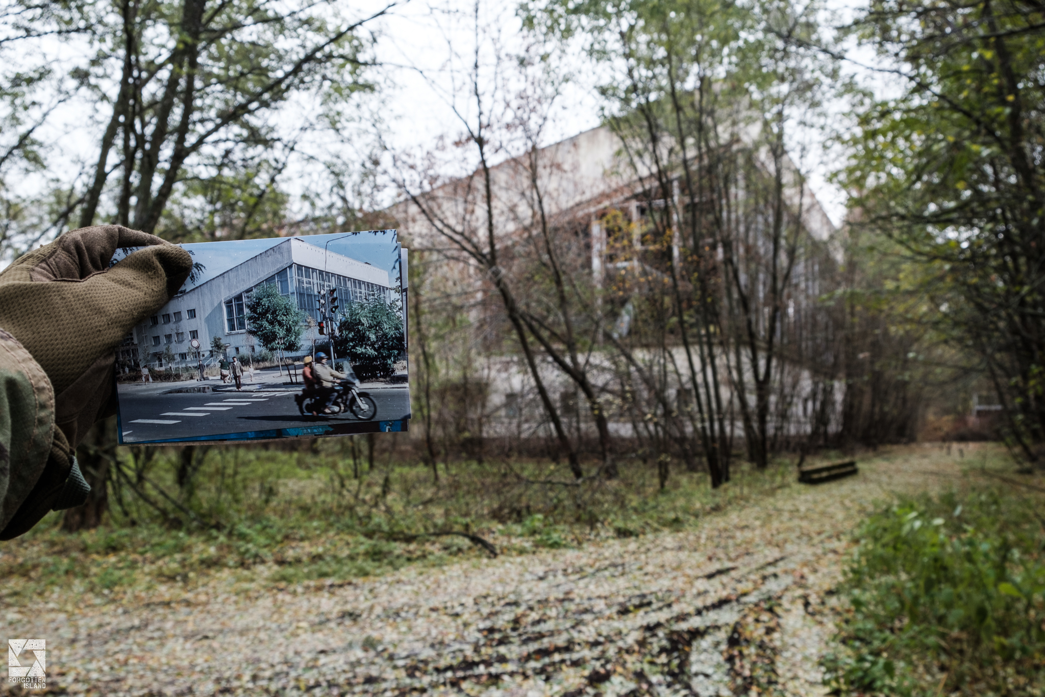 Swimming Pool in Pripyat before and after accident